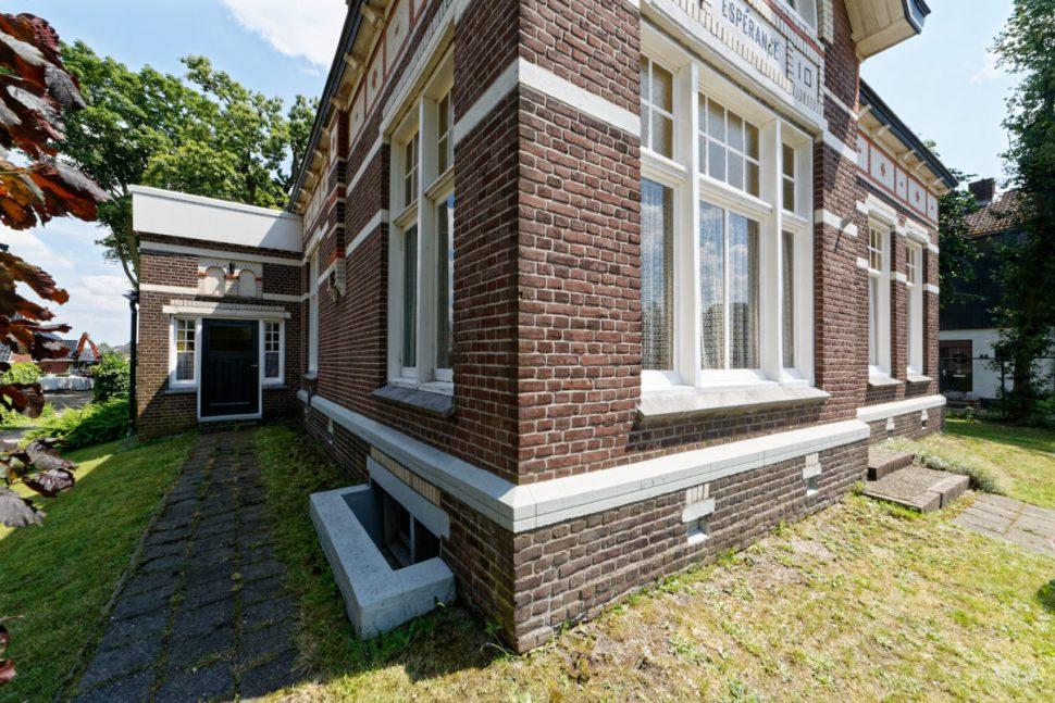 Vroomshoop, Oranjestraat 43